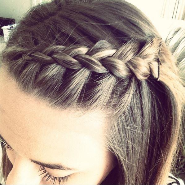 kampauksia pitkille hiuksille