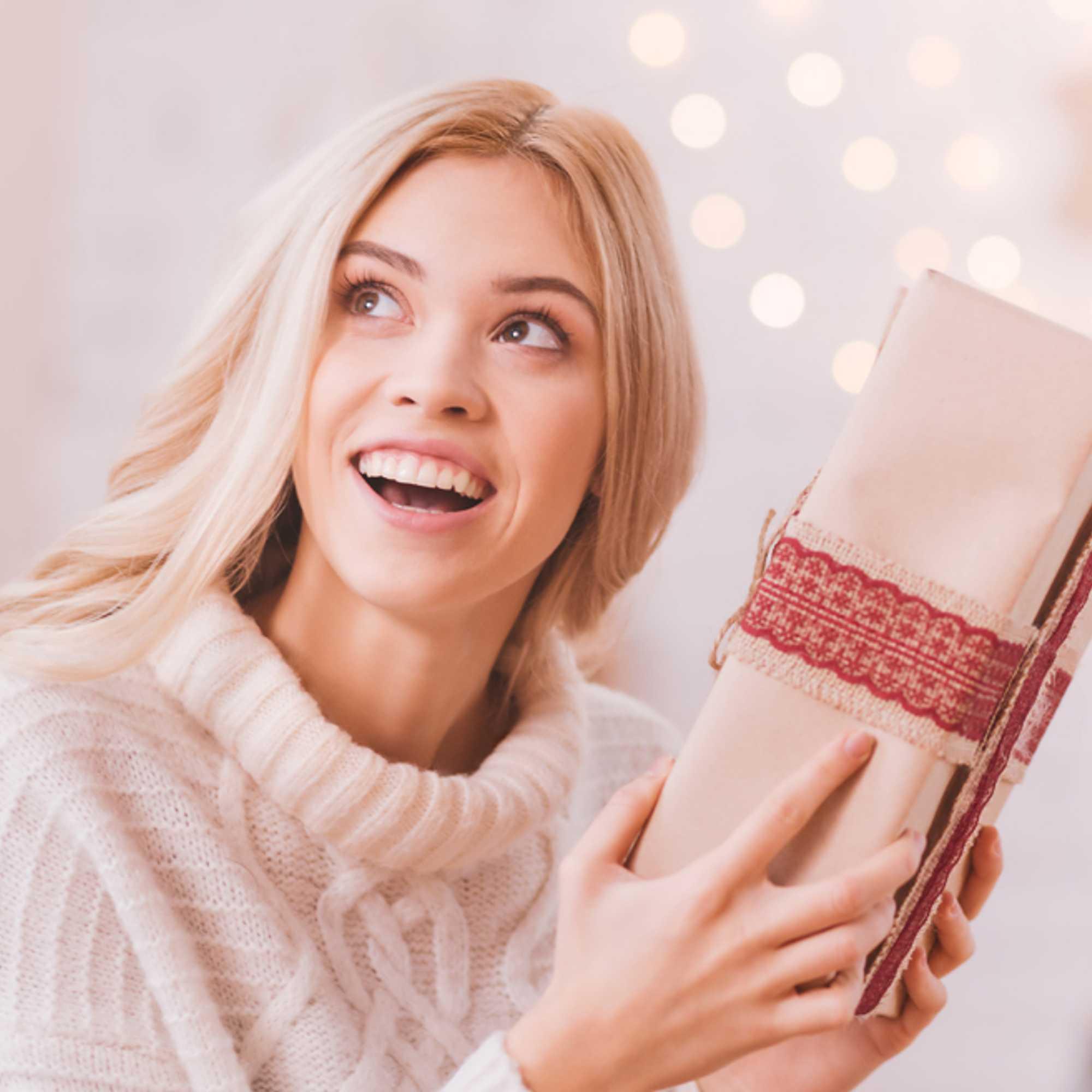 Katso 22 ylellistä joululahjaideaa naiselle!  723e30e10d